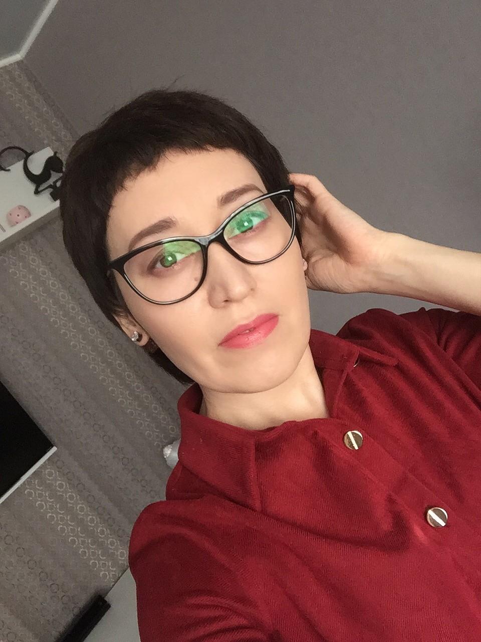 Елена Никифирова